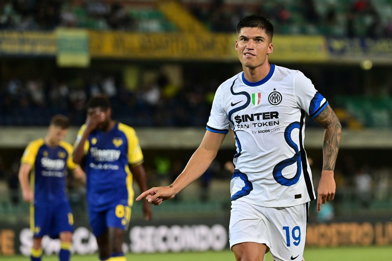 L'attaccante dell'Inter Joaquin Korea si diletta dopo che Hellos ha segnato il suo secondo gol contro la Serona A in una partita di Serie A il 27 agosto 2021 a Verona.