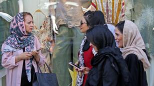 Des Iraniennes au bazar de Tajrish dans le nord de Téhéran, le 19 septembre 2018.