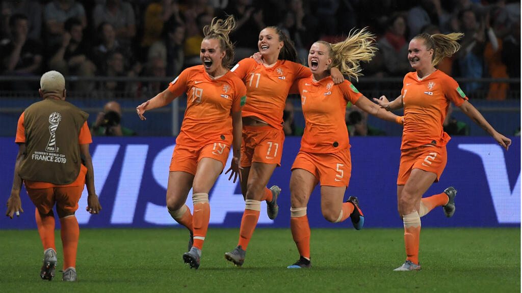 The Netherlands and Italy advance to Women's Football World Cup