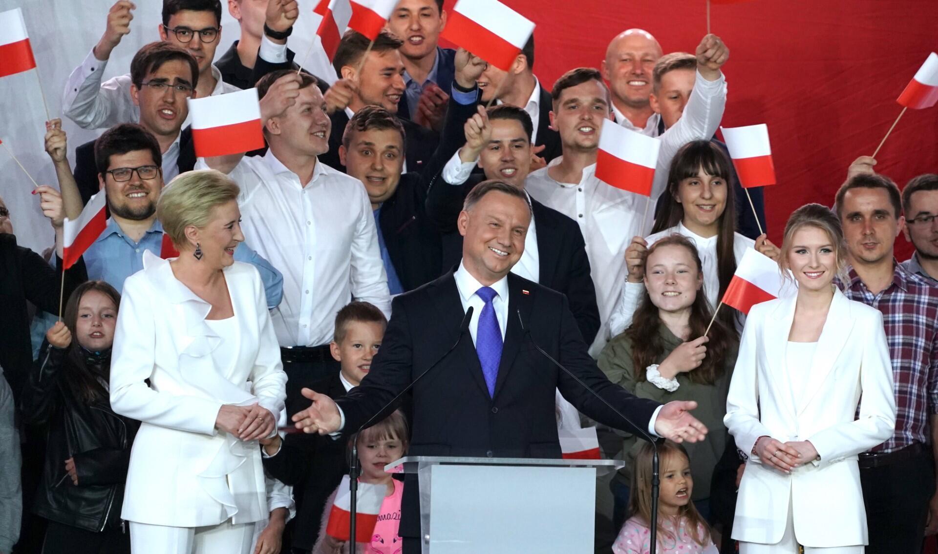 Le président conservateur, Andrzej Duda, s'adresse à ses partisans à Pultusk, en Pologne, le 12 juillet 2020.