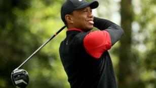 Tiger Woods sur le parcours d'Augusta, à l'occasion du Masters, le 8 avril 2018.