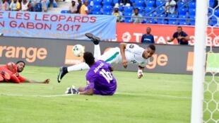 Kodjia a beau chercher la faille, les Ivoiriens ne sont pas parvenus à percer la défense togolaise.