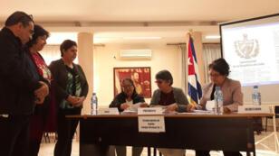 Instalación de la mesa de votación en la embajada de Cuba en Argel, capital de Argelia, de cara al referendo constitucional. 16 de febrero de 2019. Argel, Argelia.