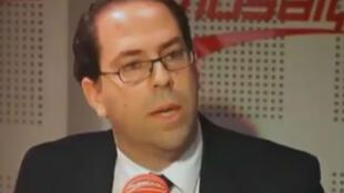 Youssef Chahed faisait partie du gouvernement sortant, où il occupait de portefeuille de ministre des Affaires locales.