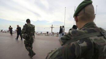 دورية للجنود في مكان اعتداء نيس