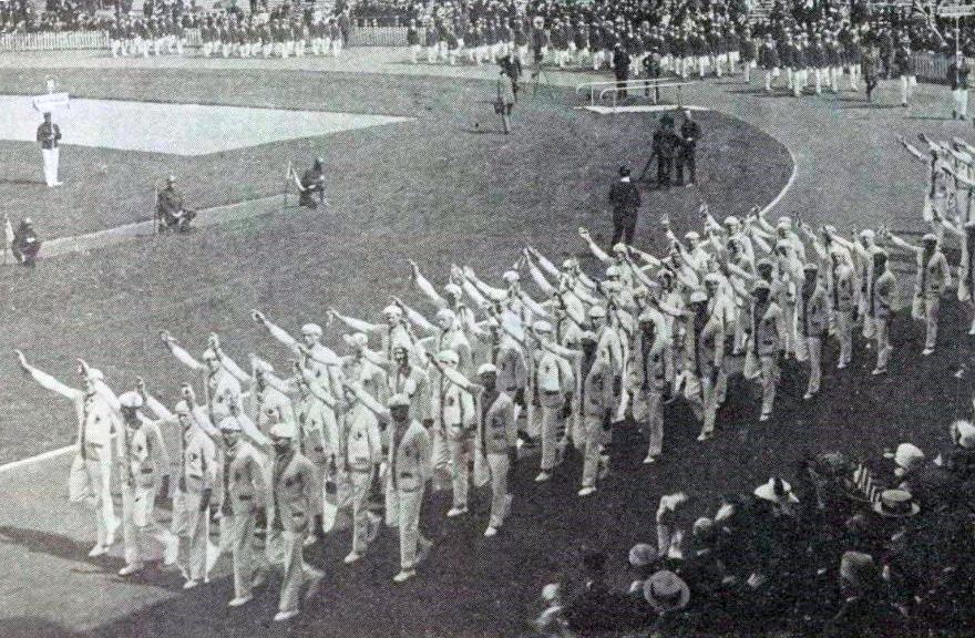 Défilé_de_la_délégation_française_au_stade_olympique_d'Anvers_en_1920