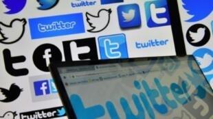 موقع تويتر يقرر الجمعة عدم حجب حسابات زعماء العالم.