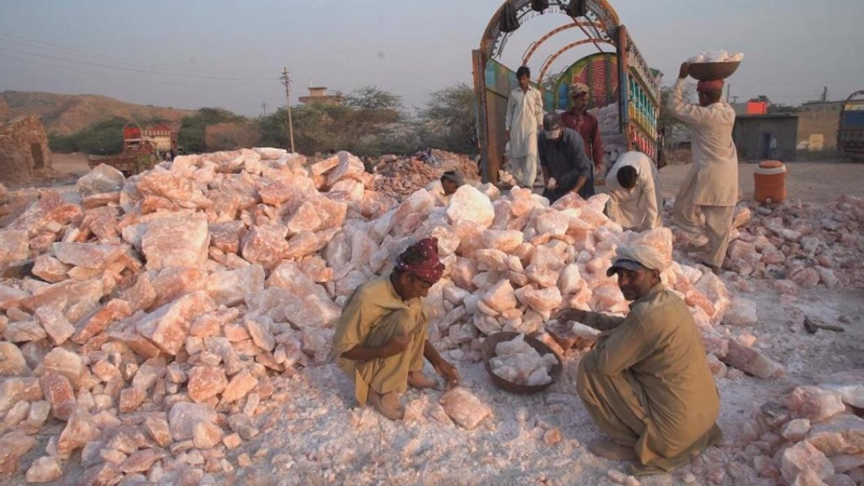 Himalayan pink salt, a matter of national pride for Pakistan - Focus - FRANCE 24