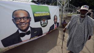 """Ex-général putschiste, le nouveau président du Nigeria, Muhammadu Buhari, se présente lui-même comme un """"démocrate converti""""."""