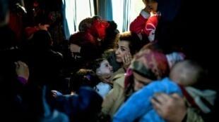 مهاجرون اعتقلتهم السلطات التركية في ديكلي حاولوا الوصول لجزيرة ليسبوس اليونانية 5 مارس 2016