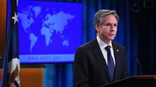 وزير الخارجية الأميركي انتوني بلينكن خلال تقديمه في وزارته بواشنطن التقرير السنوي حول أوضاع حقوق الإنسان في العالم في 30 آذار/مارس 2021.