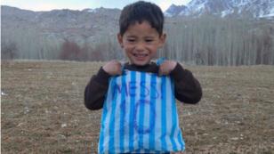 Le jeune Murtaza avait fabriqué un maillot imitant celui de son idole Lionel Messi, le 30 janvier 2016.
