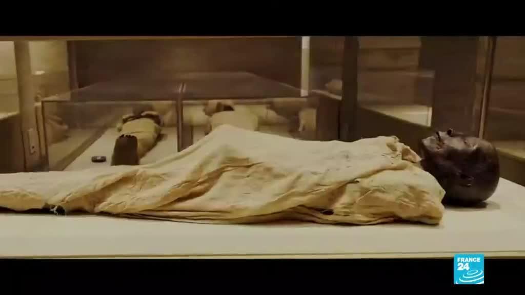 2021-04-03 14:43 Egipto: 22 momias de faraones desfilan por las calles de El Cairo hacia un nuevo museo