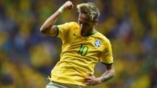 """Un an après sa blessure face à la Colombie, Neymar a de nouveau eu des problèmes à cause des """"Cafeteros""""."""
