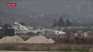 Un Soukhoï s'apprête à décoller de la base aérienne russe de Lattaquié.