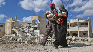 معاناة سكان الغوطة الشرقية المحاصرة قرب دمشق