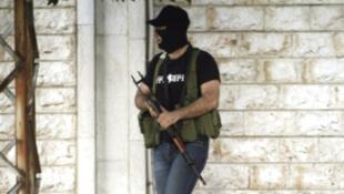 Un partisan du cheikh salafiste Ahmad al-Assir.