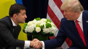 Donald Trump et le président ukrainien, Volodymyr Zelensky, lors d'une rencontre à New York, le 25 septembre 2019.