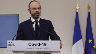 El primer ministro francés, Edouard Philippe, habla durante una conferencia de prensa en París, el 28 de marzo de 2020, el undécimo día de un estricto confinamiento nacional en Francia para detener la propagación del coronavirus