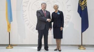 La patronne du FMI Christine Lagarde et le président ukrainien Petro Porochenko, le 20 juin 2017 à Washington.