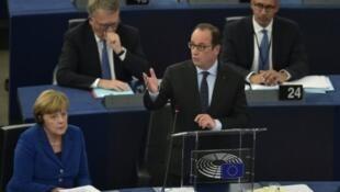 Le président François Hollande devant le parlement européen, à Strasbourg, le 7 octobre 2015.
