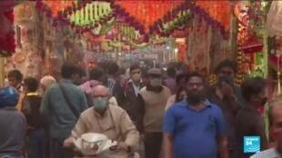 2020-11-13 12:13 L'Inde saisie de fièvre acheteuse avant la fête de Diwali au mépris du Covid-19