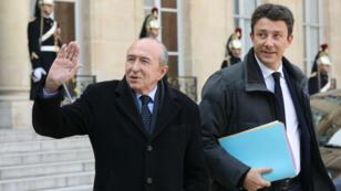 Le ministre de l'Intérieur, Gérard Collomb (à gauche) et Benjamin Griveaux sur le perron de l'Élysée, le 21 février 2018.