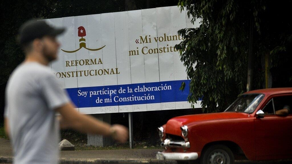 Cuba 'to scrap same-sex marriage law' in new constitution