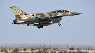 مقاتلة متعددة المهام من طراز إف-16 تابعة لقوات الجو الإسرائيلية.