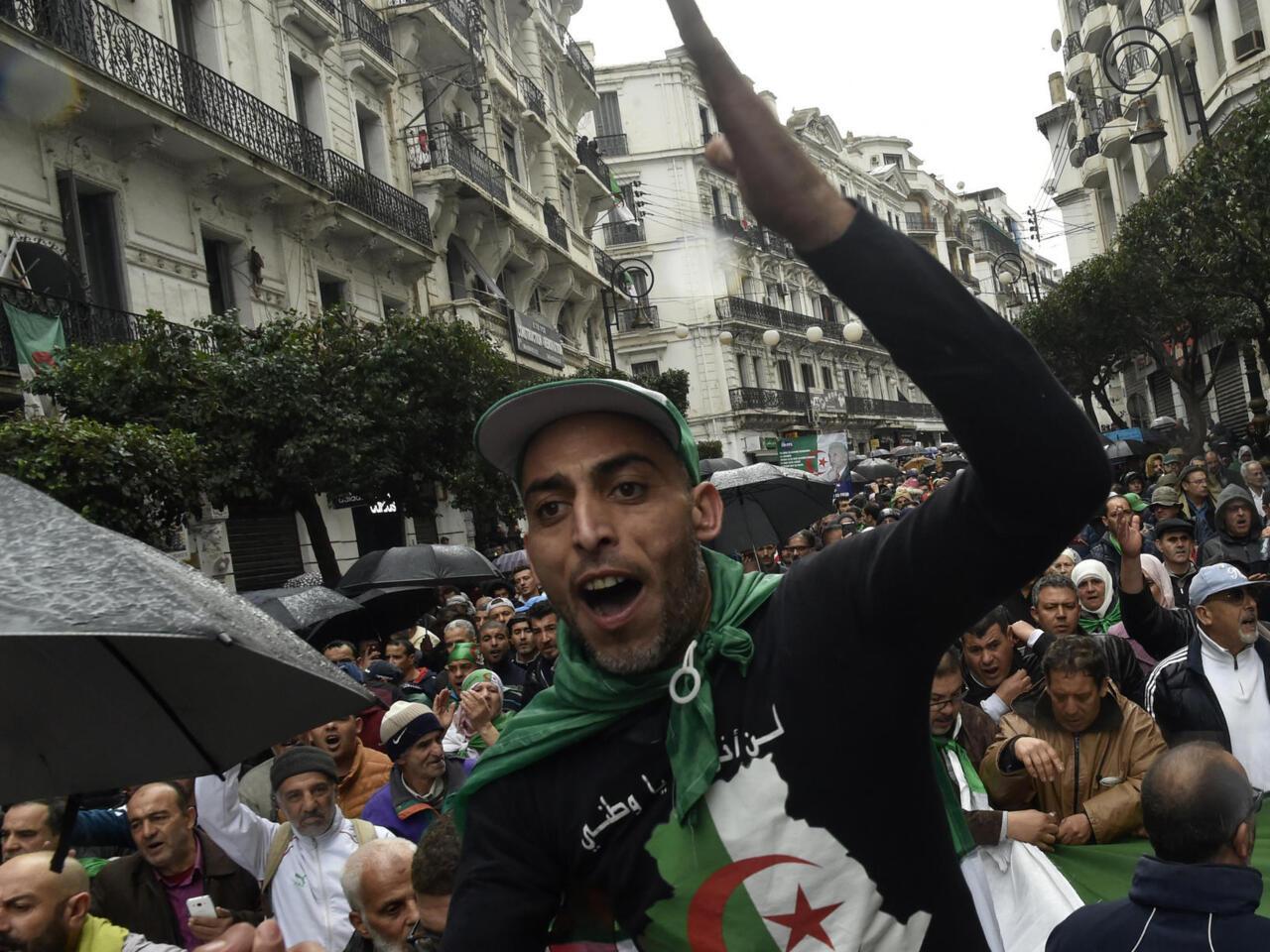 La Chaine M6 Interdite En Algerie Apres La Diffusion D Un Reportage Sur Le Hirak