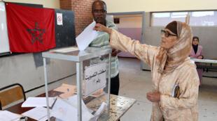 مكتب اقتراع بالدار البيضاء