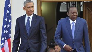 Le président américain Barack Obama et son homologue kényan Uhuru Kenyatta, à Nairobi, le 25 juillet.