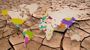 Il a fallu attendre le 22 avril 2016 pour que treize pays deviennent les premiers à ratifier l'accord de Paris sur le climat.