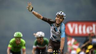 Romain Bardet à son arrivée de la 12e étape du Tour de France, jeudi 13 juillet, à Peyragudes, dans les Pyrénées.