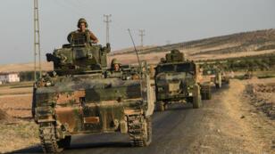 قوات تركية في على الحدود مع سوريا أيلول/سبتمبر 2016.