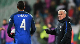 Raphaël Varane peine à franchir le cap avec les Bleus.