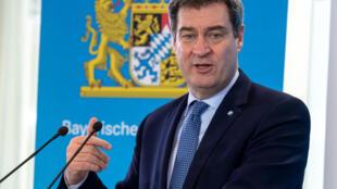 Markus Soder, primer ministro bávaro, habla durante una rueda de prensa posterior a la reunión semanal de su gobierno, el 31 de marzo de 2020 en Múnich, al sur de Alemania