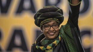 ويني الزوجة السابقة لنلسون مانديلا