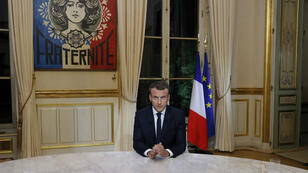 """Le président Emmanuel Macron a indiqué dimanche qu'il se rendrait en Iran """"le moment venu""""."""