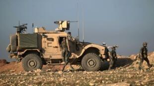 جنود من القوات الخاصة الأمريكية خلال الهجوم على مدينة الموصل العراقية في 23 شباط/فبراير 2017