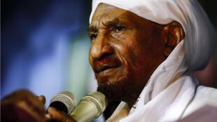 Le chef du principal parti d'opposition, Sadek al-Mahdi, a réclamé que le Soudan adhère à la CPI, samedi 27 avril 2019.