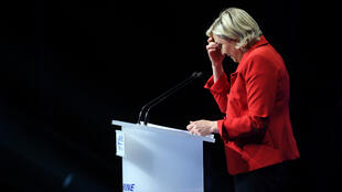 Marine Le Pen, lundi 17 avril 2017, lors de son meeting au Zénith de Paris.