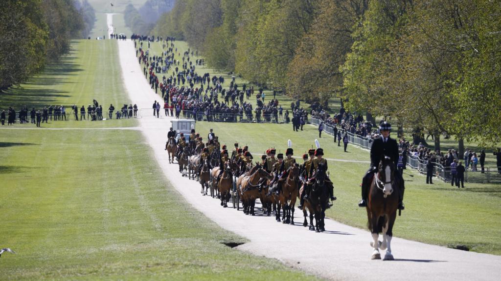 Elizabeth II et les Britanniques font leurs adieux au prince Philip