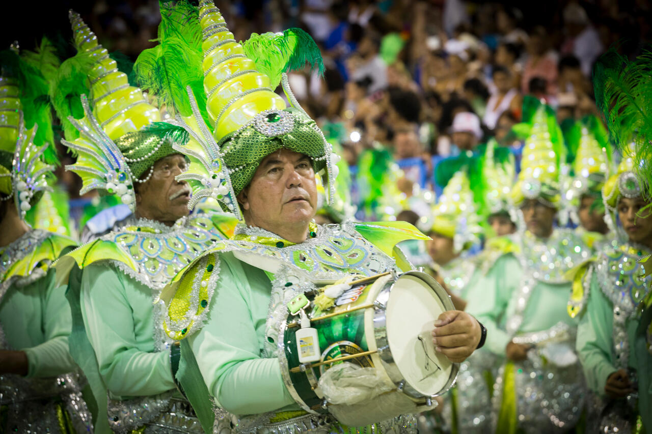 La 'batería' es la orquesta rítmica y el alma de la escuela de samba. Según el reglamento, tiene que tener un mínimo de 200 percusionistas. Escuela Mocidade Independente de Padre Miguel (Carnaval 2017).