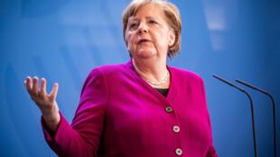 صورة من الأرشيف للمستشارة الألمانية أنغيلا ميركل خلال مؤتمر صحافي بمقر المستشارية في برلين، 23 نيسان/ابريل 2020