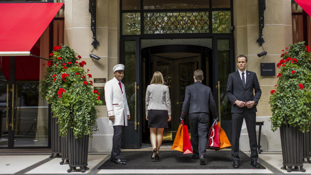 Paris' luxury hotels fear the rise of Airbnb