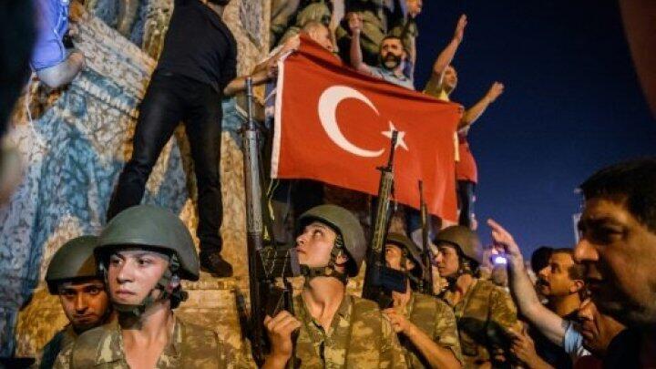 متظاهرون أتراك 15 يوليو/تموز 2016