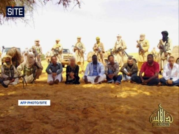 L'image d'ensemble du commando et des otages.