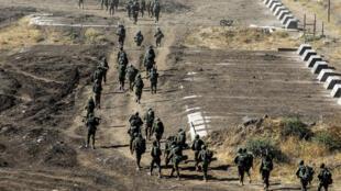جنود اسرائيليون خلال مناورة في الجولان المحتل 24 تموز/يوليو 2020