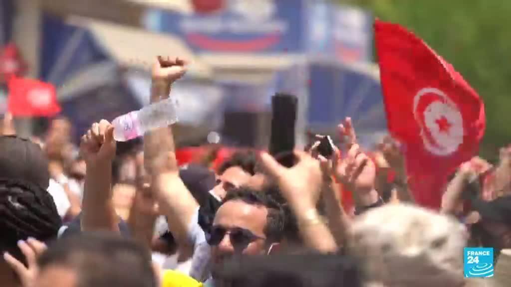 2021-07-27 14:37 Partido del primer ministro destituido acepta elecciones anticipadas en Túnez